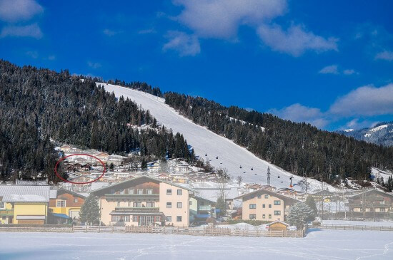 Ferienhaus direkt an der Piste - Berghof Chalet Flachau